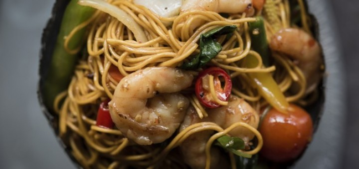 Saba Spicy Egg Noodles with Prawns