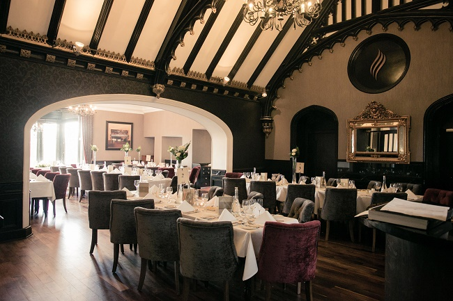 Clontarf_Castle_Dinning_Room_003