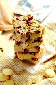 White Chocolate Vanilla Protein Bars Recipe by Peachy Palate