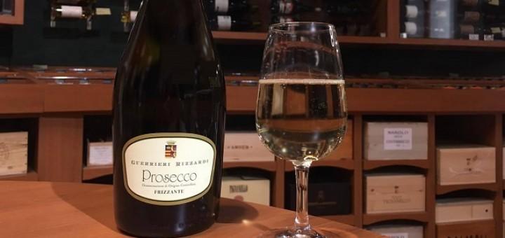Wine of the Week from O'Briens: Rizzardi Frizzante Prosecco