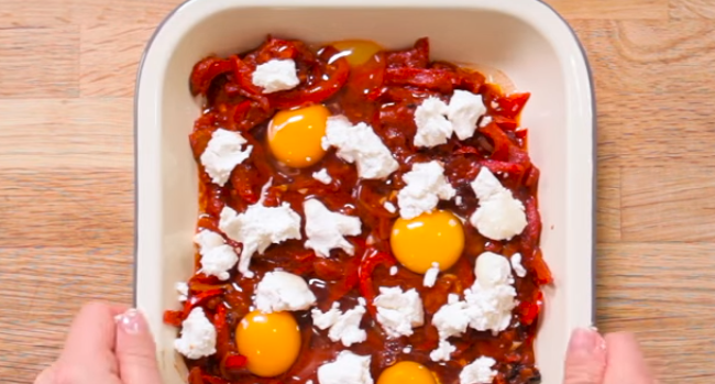 Watch: Baked Eggs with Tomato and Red Peppers Recipe from Bord Bia