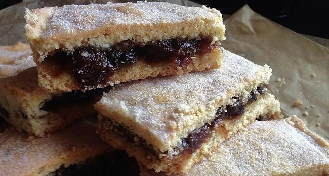 mincemeat-shortcake-bars-2