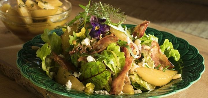 Siucra x Catherine Fulvio Pan Fried Pear and Pancetta Salad Recipe with Goat's Cheese
