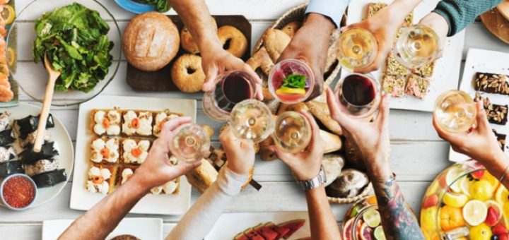 It's Five O'Clock Somewhere - The Sunny Rise of Breakfast Drinking