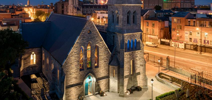 An Evening of Whiskey and Storytelling for Saints and Sinners is Coming to the Pearse Lyons Distillery
