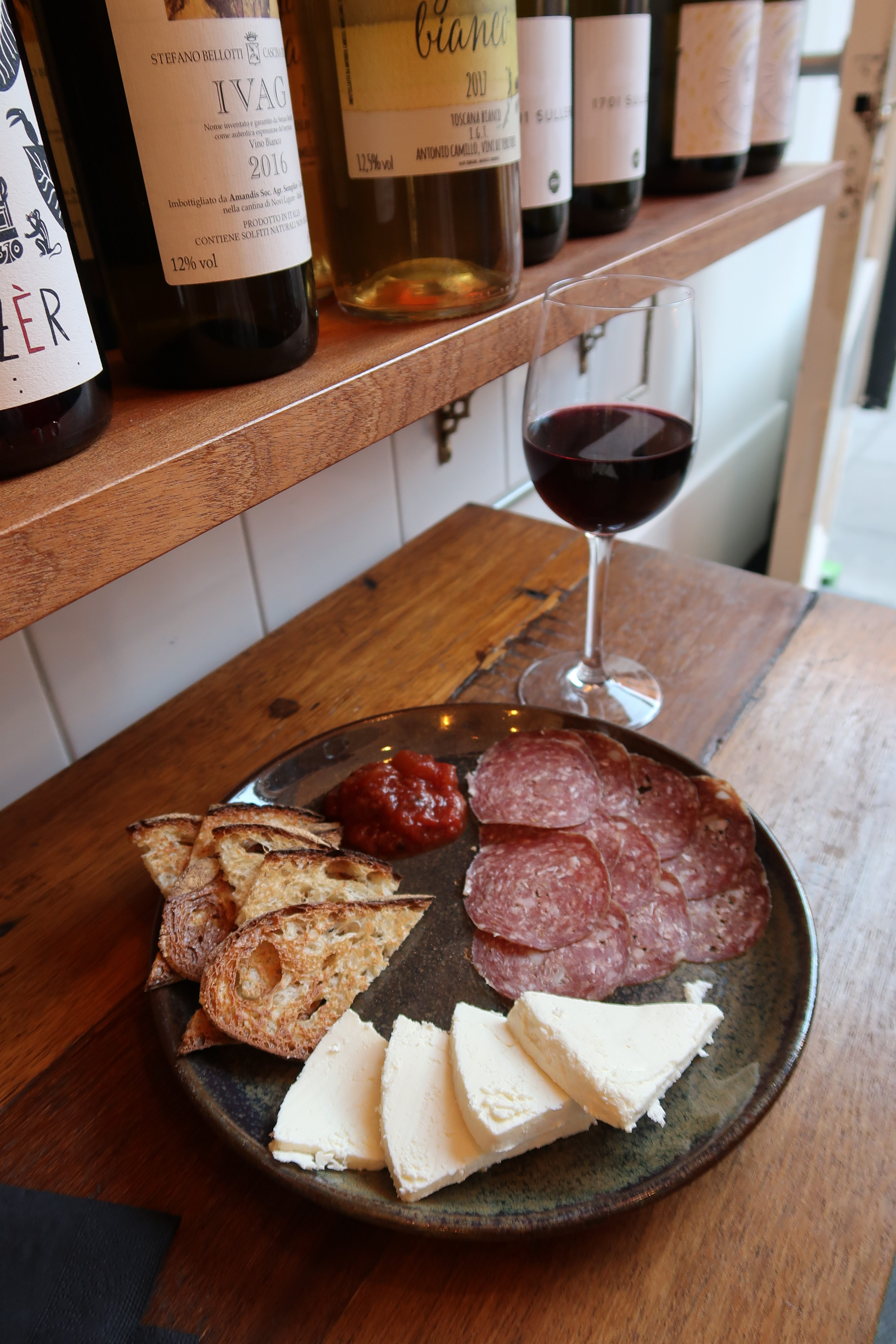 Loose Canon Cheese and Wine Review