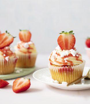 Eton Mess Cupcakes Recipe by Siúcra